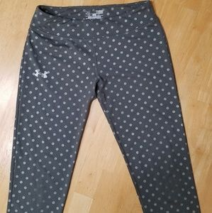 Under Armour Leggings. Youth LG